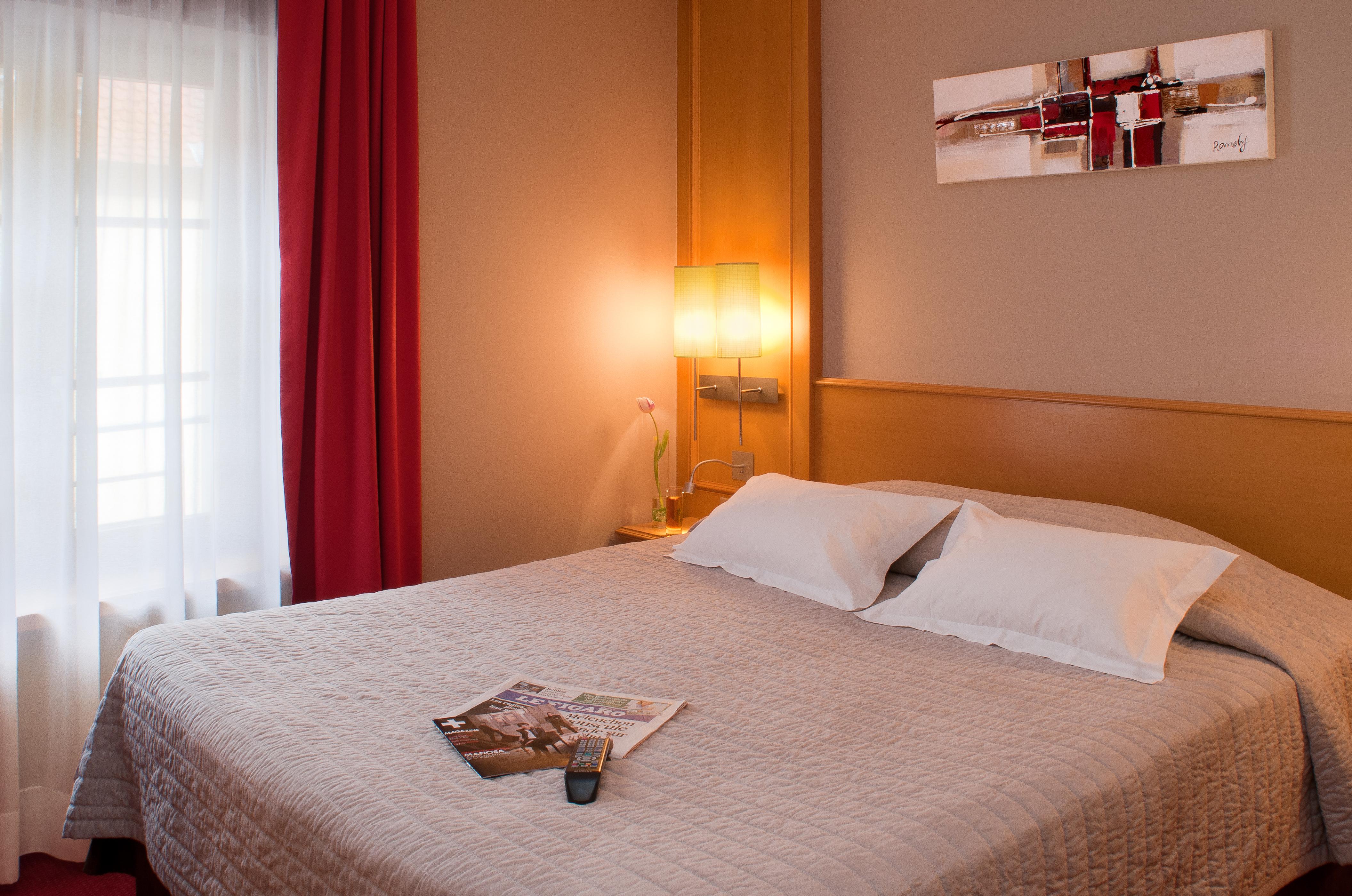 chambre 203 bis hotel restaurant colmar le rapp h tel centre colmar alsace france. Black Bedroom Furniture Sets. Home Design Ideas